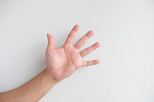 Drętwienie rąk w nocy – dlaczego?